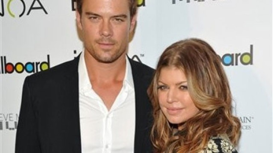 Josh Duhamel and his wife Fergie. (AP)