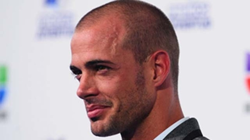 July 21, 2011: William Levy attends 'Premios Juventud' at the Bank United Center in Miami, Florida.