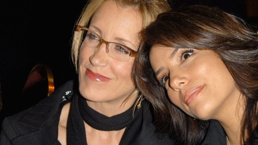 NORTH HOLLYWOOD, CA - FEBRUARY 22:  (US TABS AND HOLLYWOOD REPORTER OUT)  (L-R) Actress'  Felicity Huffman and Eva Longoria pose at An Evening With Desparate Housewives at The Academy of Television Arts & Sciences on February 22, 2005 in North Hollywood, California.  (Photo by Stephen Shugerman/Getty Images) *** Local Caption *** Felicity Huffman;Eva Longoria