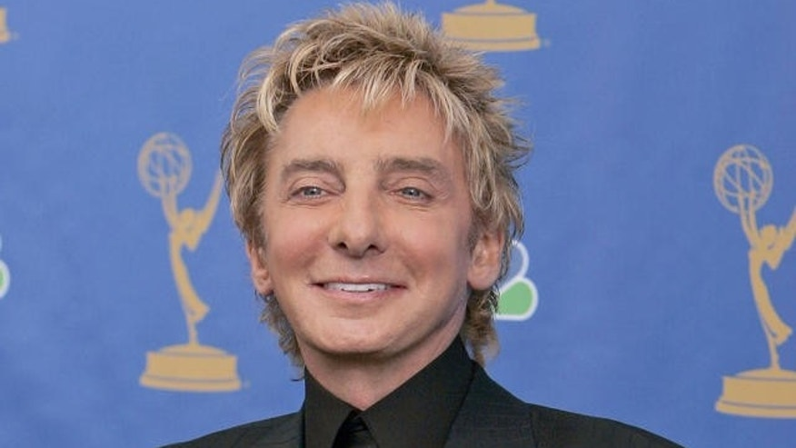 Barry Manilow (AP)
