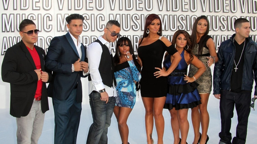 "LOS ANGELES, CA - SEPTEMBER 12:  TV personalities Ronnie Ortiz-Magro, Paul ""Pauly D"" DelVecchio, Michael ""The Situation"" Sorrentino, Nicole ""Snooki"" Polizzi, Jenni ""JWoww"" Farley, Deena Nicole Cortese, Sammi ""Sweetheart"" Giancola and Vinny Guadagnino of the show ""Jersey Shore"" arrive at the 2010 MTV Video Music Awards at NOKIA Theatre L.A. LIVE on September 12, 2010 in Los Angeles, California.  (Photo by Frederick M. Brown/Getty Images)"
