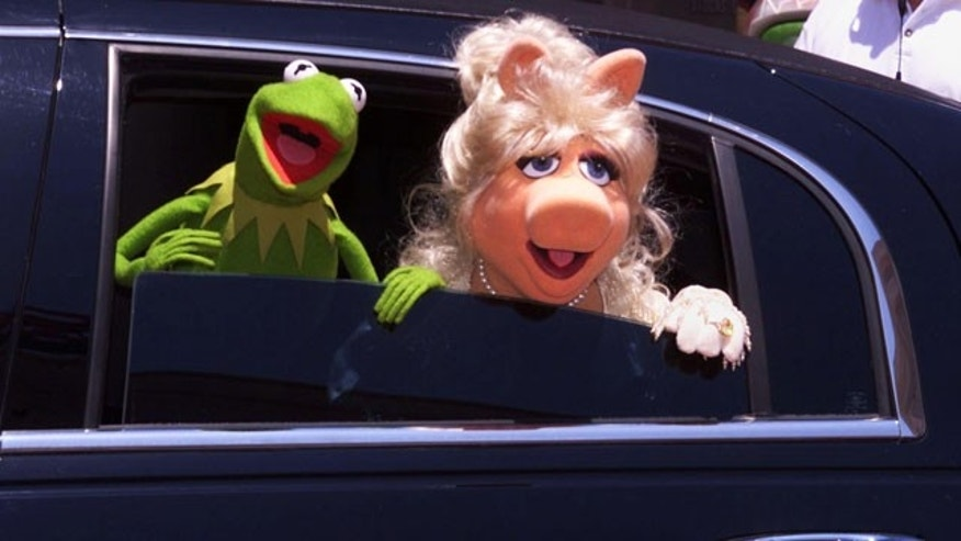 Kermit the Frog and Miss Piggy (AP)