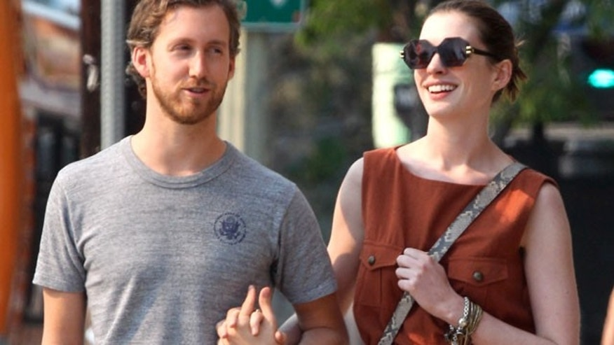 Anne Hathaway and Adam Shulman (X17 Online)