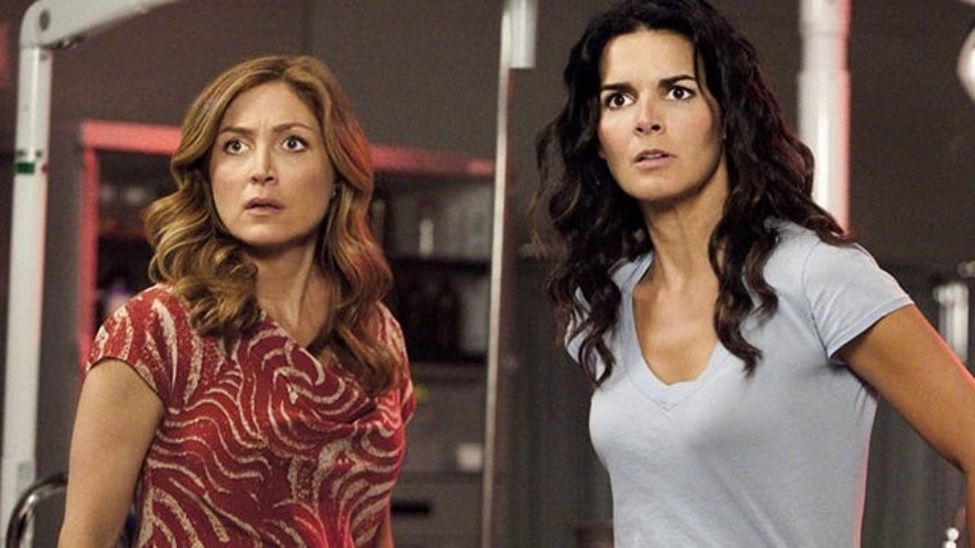 Sasha Alexander and Angie Harmon star in 'Rizzoli & Isles.'