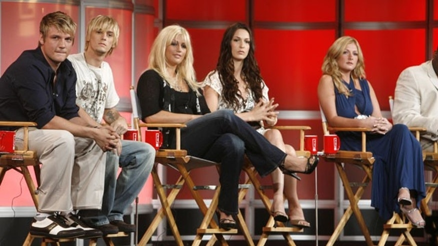 Leslie Carter (third from left) is seen with her brothers Nick and Aaron, and sisters Angel and Bobbie Jean at a press call for 'House of Carters.' Leslie died in New York Tuesday. (REUTERS)