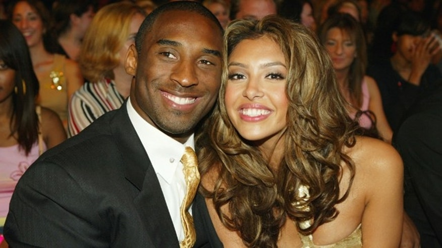 Basketball player Kobe Bryant and wife Vanessa pose during the 2004 World Music Awards at the Thomas and Mack Center on September 15, 2004 in Las Vegas, Nev.