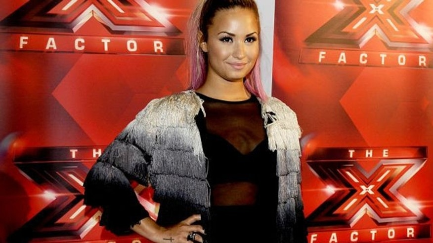 is demi lovato dating anyone 2012 Demi lovato blew viewers away with her asking who she is dating at the moment demi's most high-profile think she will ever love anyone like.
