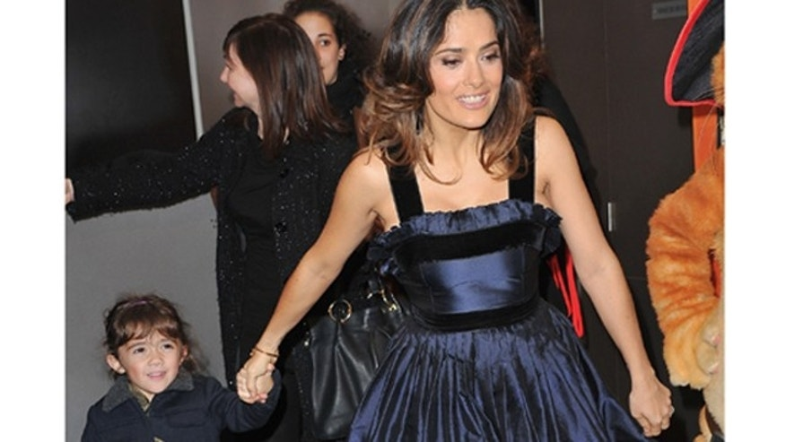 "PARIS, FRANCE - NOVEMBER 20:  Salma Hayek and daughter Valentina attend the ""Puss in Boots"" Paris Premiere on November 20, 2011 in Paris, France.  (Photo by Pascal Le Segretain/Getty Images)"