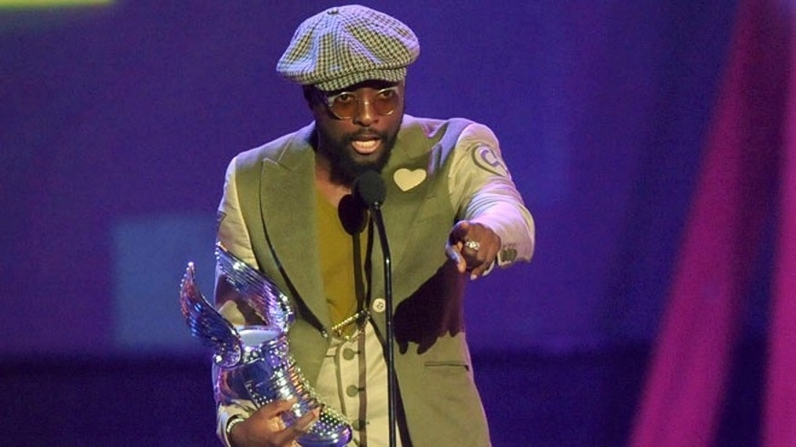 "Aug. 19, 2012: Musician will.i.am gives his acceptance speech for the ""Music Artist"" award during the ""Do Something Awards"" in Santa Monica, California."
