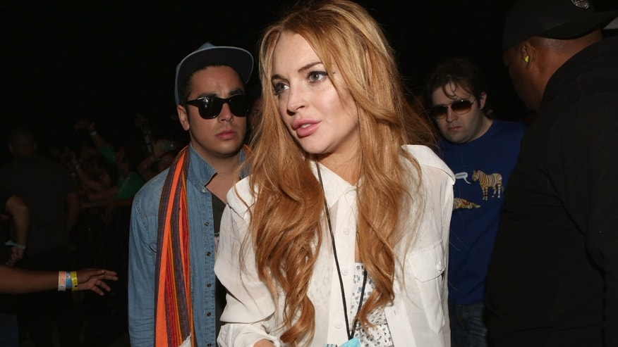 Actress Lindsay Lohan is suing Latino chef Jose Rodriguez for drunk driving allegations.