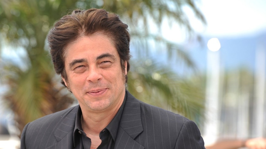 "Benicio Del Toro joins other celebrities in the ""Vote 4 Stuff"" video."