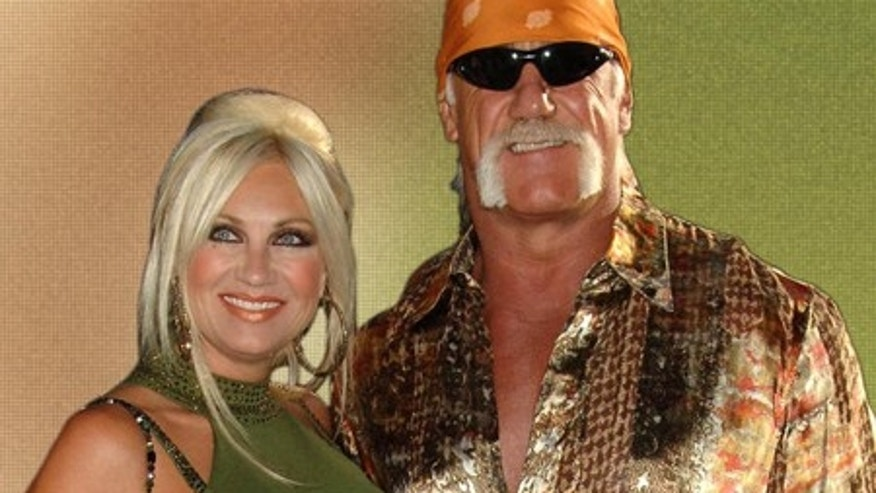 From right Hulk Hogan, wife Linda Hogan and daughter Brooke Hogan attend  the U.S. Premiere of War of the Worlds to benefit the American Red Cross, held at the Ziegfeld Theatre, Thursday, June 23, 2005 in New York.  (AP Photo/Jennifer Graylock)