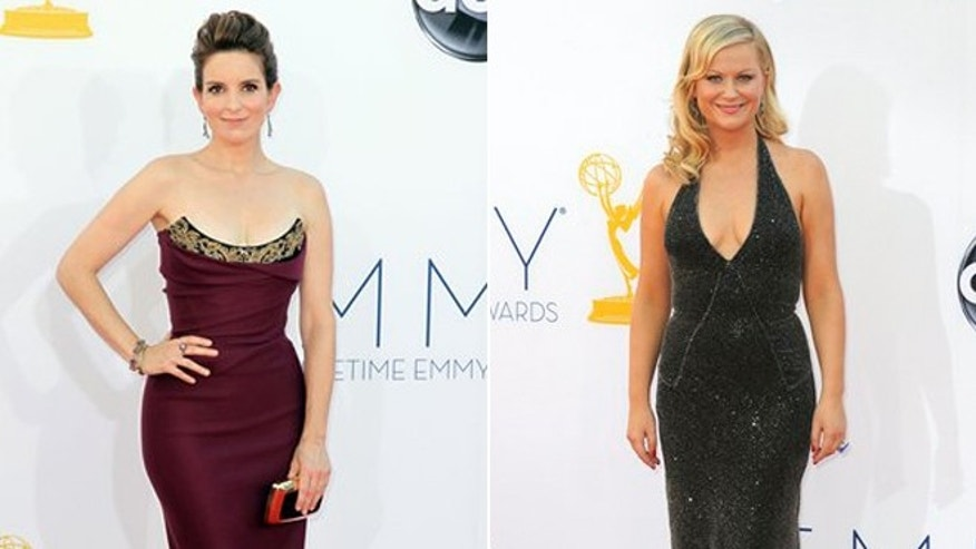 Tina Fey and Amy Poehler are reuniting for the Golden Globes.