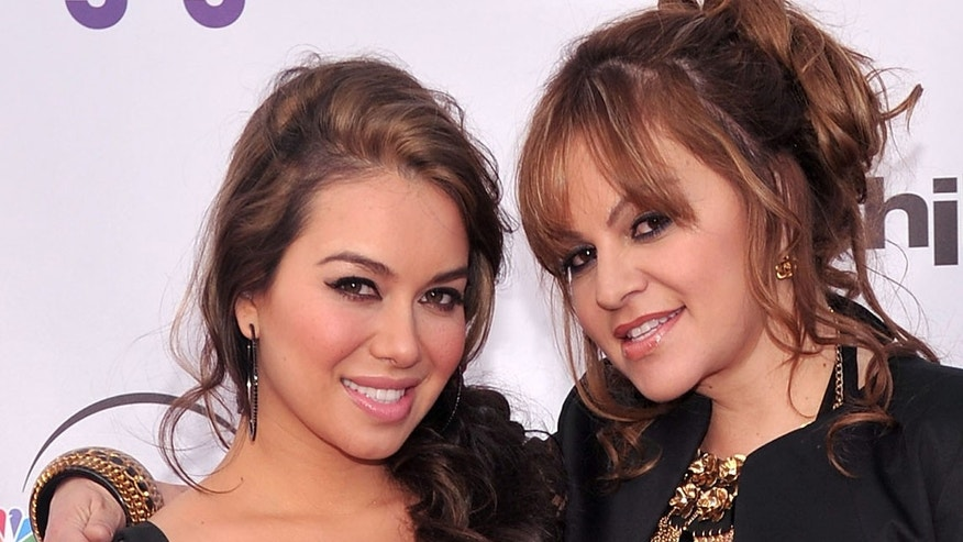 "UNIVERSAL CITY, CA - MAY 12:  TV personalities Janney ""Chiquis"" Marin and Jenni Rivera arrive at The Cable Show 2010 ""An Evening With NBC Universal"" on May 12, 2010 in Universal City, California.  (Photo by Alberto E. Rodriguez/Getty Images)"