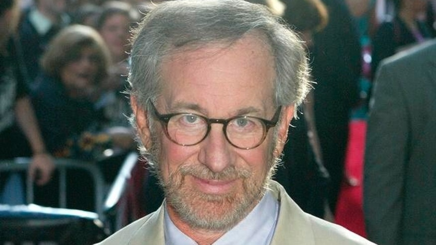 Director Steven Spielberg arrives to the premiere of War of the Worlds, Thursday, June 23, 2005, in New York. (AP Photo/Diane Bondareff)