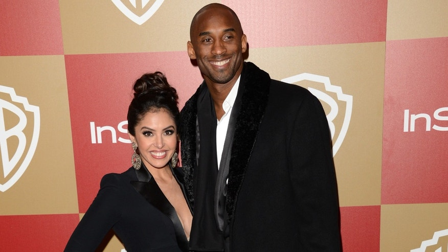 Basketball player Kobe Bryant (R) and wife Vanessa Bryant attend the 14th Annual Warner Bros. And InStyle Golden Globe Awards After Party held at the Oasis Courtyard at the Beverly Hilton Hotel on January 13, 2013 in Beverly Hills, California.  (Photo by Jason Merritt/Getty Images)