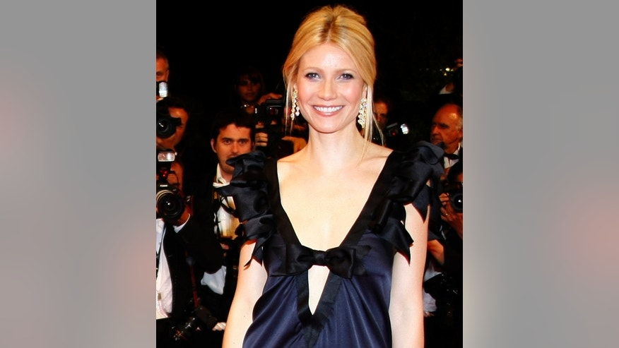 "Cast member Gwyneth Paltrow arrives for the screening of the film ""Two Lovers"" at the 61st Cannes Film Festival May 19, 2008.   REUTERS/Eric Gaillard  (FRANCE)"