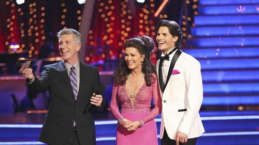"DANCING WITH THE STARS - ""Episode 1601"" -- ""Dancing with the Stars"" was back with an all-new cast of fresh faces hitting the dance floor. The competition began with the two-hour Season 16 premiere, live, MONDAY, MARCH 18 (8:00-10:01 p.m., ET) on the ABC Television Network.   (ABC/Adam Taylor)TOM BERGERON, LISA VANDERPUMP, GLEB SAVCHENKO"