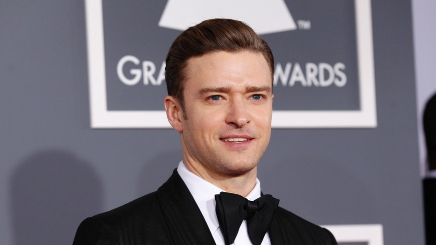 Singer Justin Timberlake arrives at the 55th annual Grammy Awards in Los Angeles, California February 10, 2013.