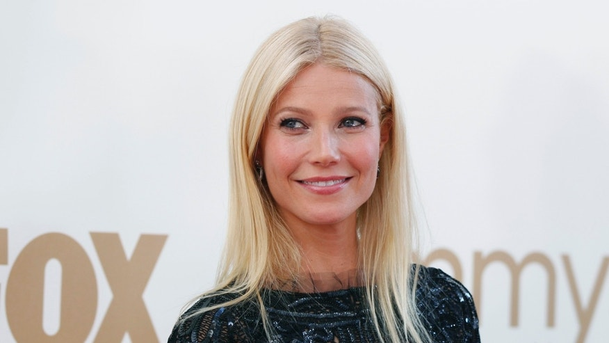 Actress Gwyneth Paltrow arrives at the 63rd Primetime Emmy Awards in Los Angeles September 18, 2011.