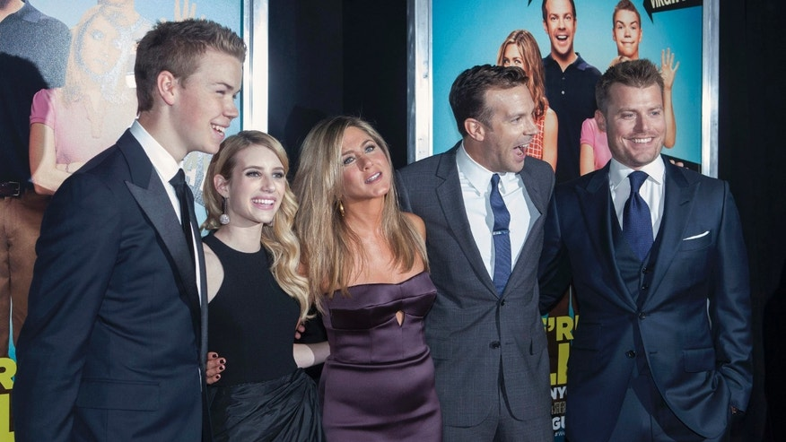 "(L - R) Cast members Will Poulter, Emma Roberts, Jennifer Aniston, Jason Sudeikis and director Rawson Marshall Thurber arrive for the premiere of the film ""We're the Millers"" in New York, August 1, 2013. REUTERS/Keith Bedford (UNITED STATES - Tags: ENTERTAINMENT) - RTX127TS"