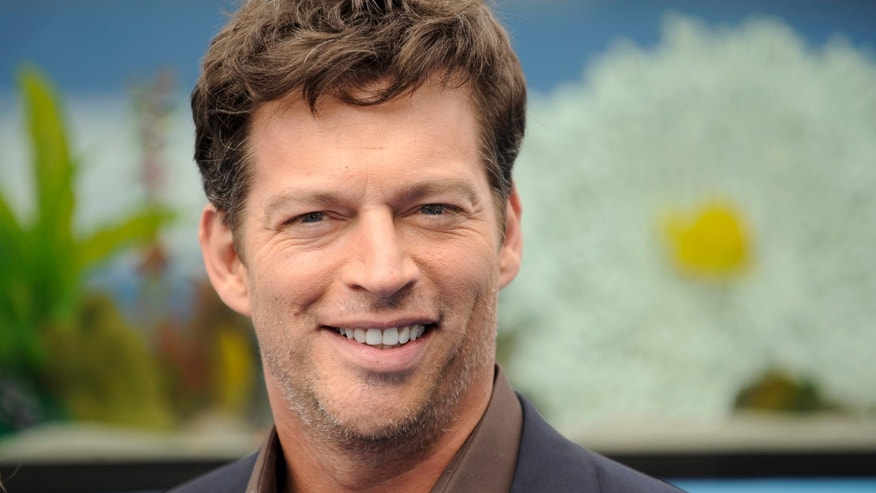 "Actor Harry Connick Jr. arrives at the movie ""Dolphin Tale"" world premiere in Los Angeles, California September 17, 2011. REUTERS/Gus Ruelas (UNITED STATES - Tags: ENTERTAINMENT) - RTR2RGNU"