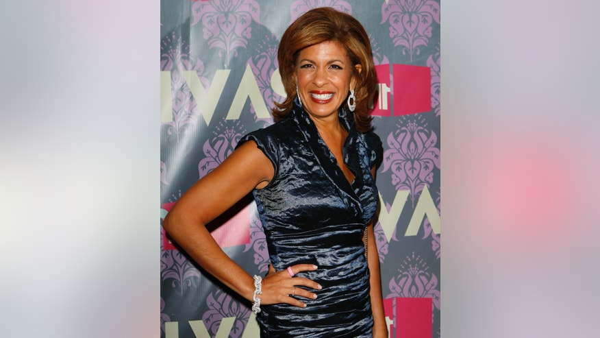 Hoda Kotb of the Today Show arrives for the VH1 Divas show in New York September 17, 2009.