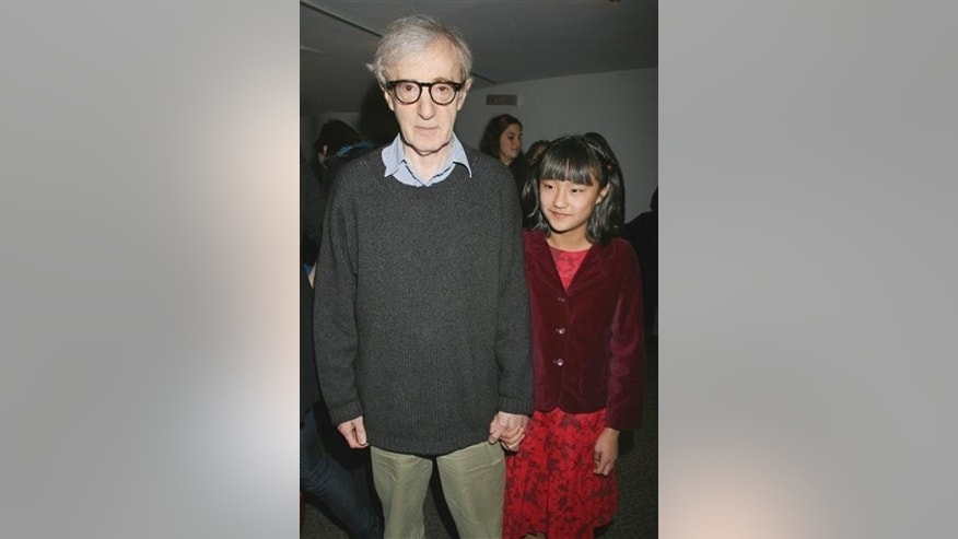 "In this photo provided by Starpix, Woody Allen is joined by his daughter Bechet Allen as they arrive at a special screening of Michael Powell and Emeric Pessburger's film classic ""The Red Shoes,"" Tuesday, Nov. 3, 2009 in New York. (AP Photo/Starpix, Dave Allocca)"