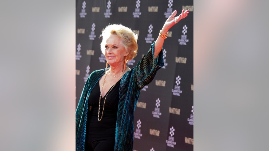 "Actress Tippi Hedren, star of the 1963 film ""The Birds"", poses upon arrival at the opening night gala of the TCM Classic Film Festival in Hollywood April 25, 2013. REUTERS/Fred Prouser (UNITED STATES - Tags: ENTERTAINMENT) - RTXZ0J9"
