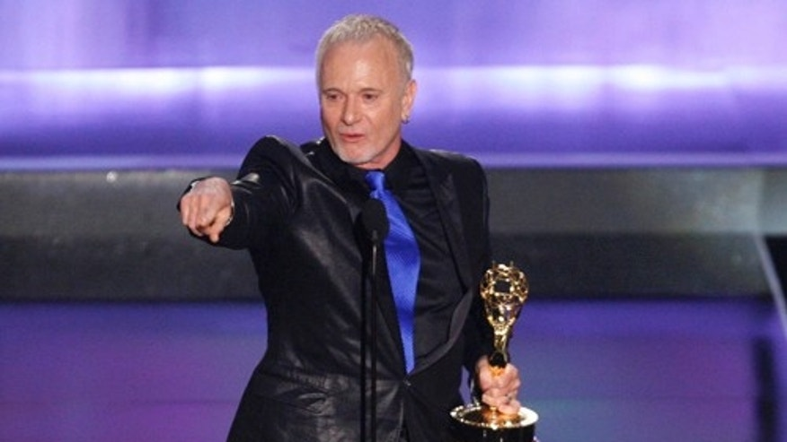 "Actor Anthony Geary reacts after winning outstanding lead actor in a drama series for his work in ""General Hospital"" at the 35th Annual Daytime Emmy Awards at the Kodak theatre in Hollywood, California June 20, 2008.     REUTERS/Fred Prouser (UNITED STATES)"