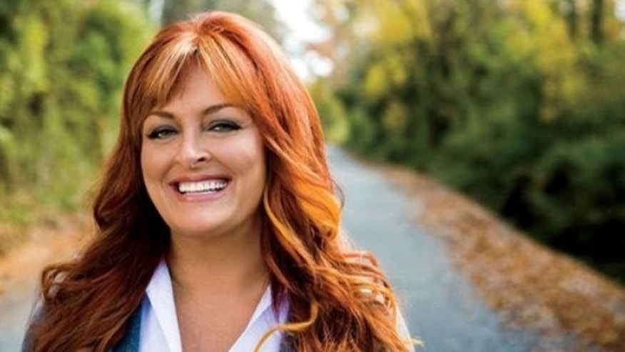 Music Superstar, Wynonna Judd Signs on with alli to Aid in Healthy Weight Loss.  (PRNewsFoto/GlaxoSmithKline and alli)
