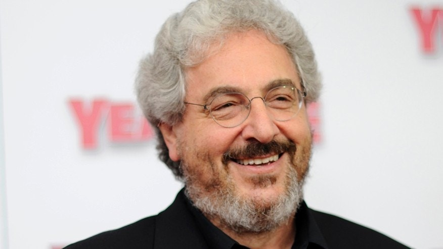 "Actor/director Harold Ramis arrives for the premiere of ""Year One"" in New York June 15, 2009. REUTERS/Stephen Chernin (UNITED STATES ENTERTAINMENT) - RTR24P52"
