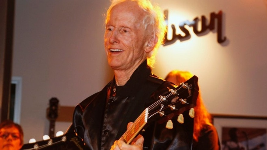 "Robby Krieger, guitarist of the Doors, performs at ""Gibson Celebrates The Beatles in Art and Song"" in  Beverly Hills, California January 22, 2014.  REUTERS/Fred Prouser   (UNITED STATES - Tags: ENTERTAINMENT) - RTX17QVT"