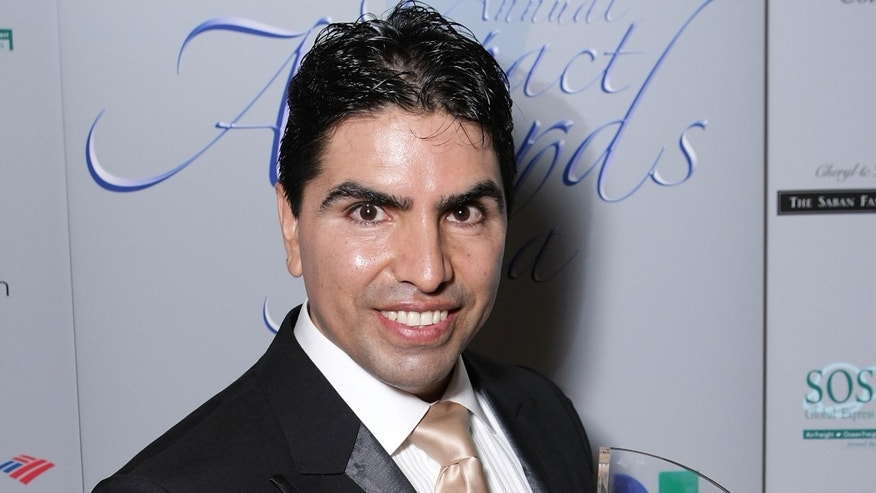 "BEVERLY HILLS, CA - FEBRUARY 22:  Radio personality Eduardo ""Piolin"" Soleto attends the 11th Annual Impact Awards Gala presented by the National Hispanic Media Coalition, held at the Beverly Wilshire Hotel on February 22, 2008 in Beverly Hills, California.  (Photo by Alberto E. Rodriguez/Getty Images)"