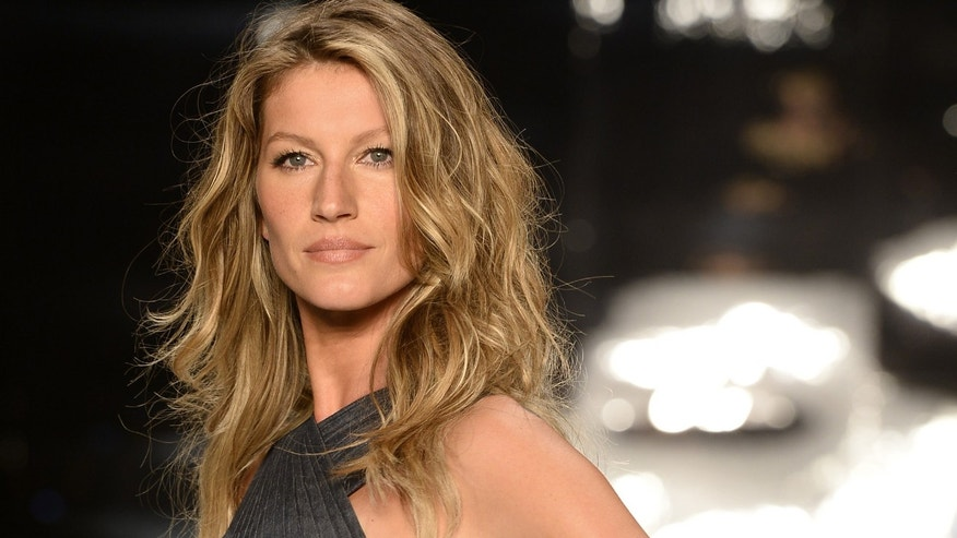 SAO PAULO, BRAZIL - APRIL 02: Gisele Bundchen walks the runway during the Colcci show at Sao Paulo Fashion Week Summer 2014/2015 at Parque Candido Portinari on April 2, 2014 in Sao Paulo, Brazil.  (Photo by Fernanda Calfat/Getty Images)