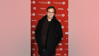 "Actor Bob Saget arrives for the premiere of ""Get Low"" during the 2010 Sundance Film Festival in Park City, Utah January 23, 2010.  REUTERS/Lucas Jackson (UNITED STATES - Tags: ENTERTAINMENT) - RTR29DC6"