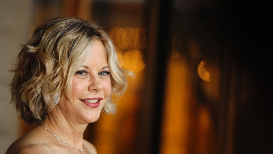 Actress Meg Ryan arrives for the season opening of the Metropolitan Opera in New York September 27, 2010. REUTERS/Lucas Jackson (UNITED STATES - Tags: ENTERTAINMENT PROFILE) - RTXSQRC