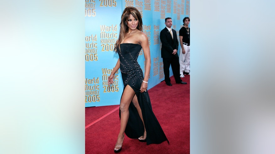 Actress Traci Bingham arrives at the 2005 World Music Awards at the Kodak Theater in Hollywood August 31, 2005. REUTERS/Mario Anzuoni  MB/YH - RTRM518
