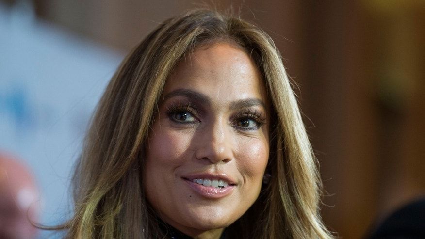 Jennifer Lopez  arrives at the GLAAD Media Awards on April 12, 2014 in Beverly Hills, California.