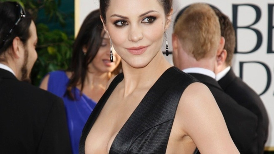 "Actress Katharine McPhee of the series ""Smash""  arrives at the 70th annual Golden Globe Awards in Beverly Hills, California January 13, 2013. REUTERS/Jason Redmond (UNITED STATES - Tags: Entertainment) (GOLDENGLOBES-ARRIVALS) - RTR3CESO"