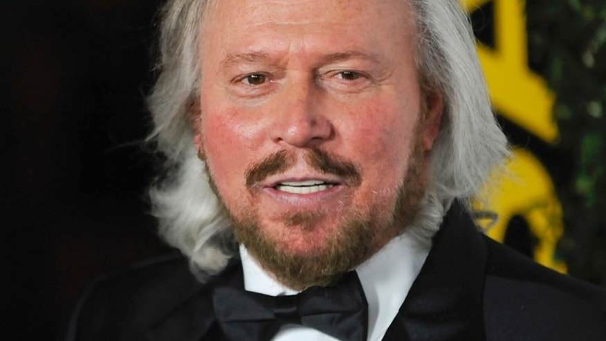 Singer and honoree Barry Gibb arrives at the 2011 G'Day USA Los Angeles Black Tie Gala in Los Angeles, California, January 22, 2011. REUTERS/Gus Ruelas (UNITED STATES - Tags: ENTERTAINMENT HEADSHOT) - RTXWY3P