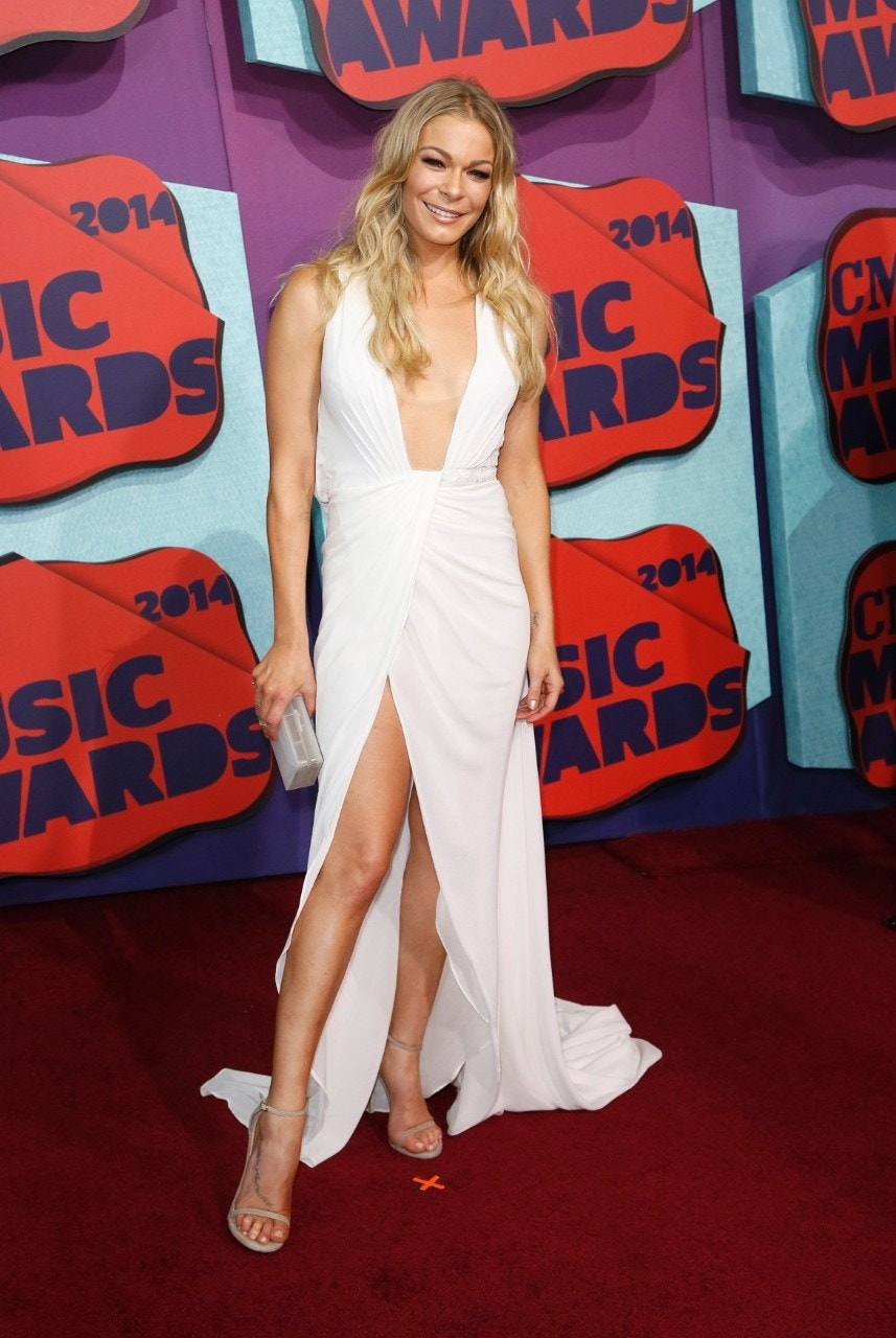 LeAnn Rimes: I try to wear the 'least amount' of clothes possible