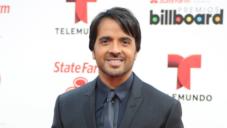 Luis Fonsi attends the 2014 Billboard Latin Music Awards at Bank United Center on April 24, 2014 in Miami, Florida.