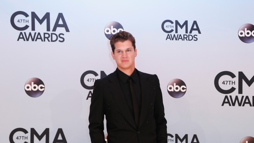 Singer Jon Pardi arrives at the 47th Country Music Association Awards in Nashville, Tennessee November 6, 2013.     REUTERS/Eric Henderson (UNITED STATES  - Tags: ENTERTAINMENT)   - RTX152ZS