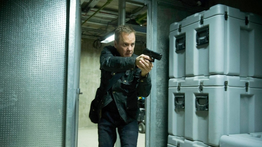 "24:  LIVE ANOTHER DAY:  Jack (Kiefer Sutherland) chases a suspect in the ""7:00 PM - 8:00 PM"" episode of 24: LIVE ANOTHER DAY airing Monday, June 23 (9:00-10:00 PM ET/PT) on FOX.  ©2014 Fox Broadcasting Co.  Cr:  Chris Raphael/FOX"