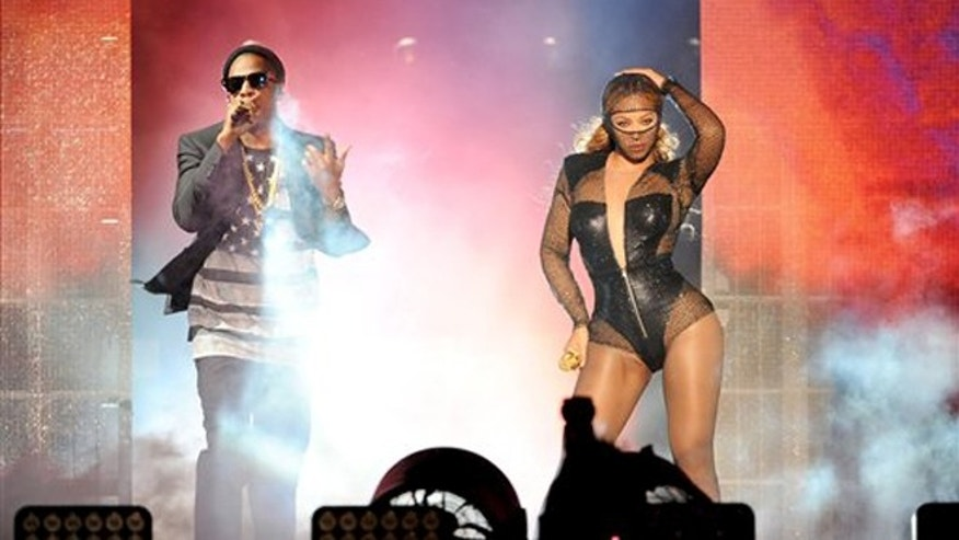 Beyonce and JAY Z in their 'On the Run Tour' at the Rose Bowl on August 2, 2014, in Los Angeles.