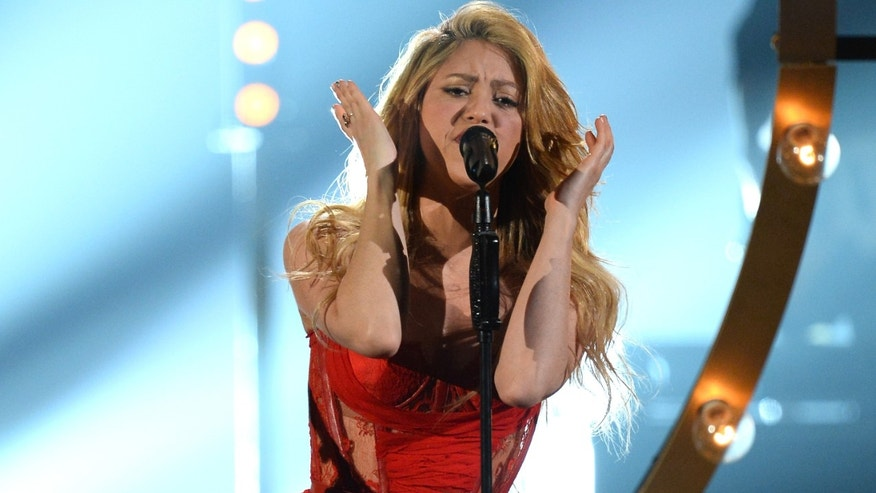 LAS VEGAS, NV - APRIL 06:  Singer Shakira performs onstage during the 49th Annual Academy Of Country Music Awards at the MGM Grand Garden Arena on April 6, 2014 in Las Vegas, Nevada.  (Photo by Ethan Miller/Getty Images)