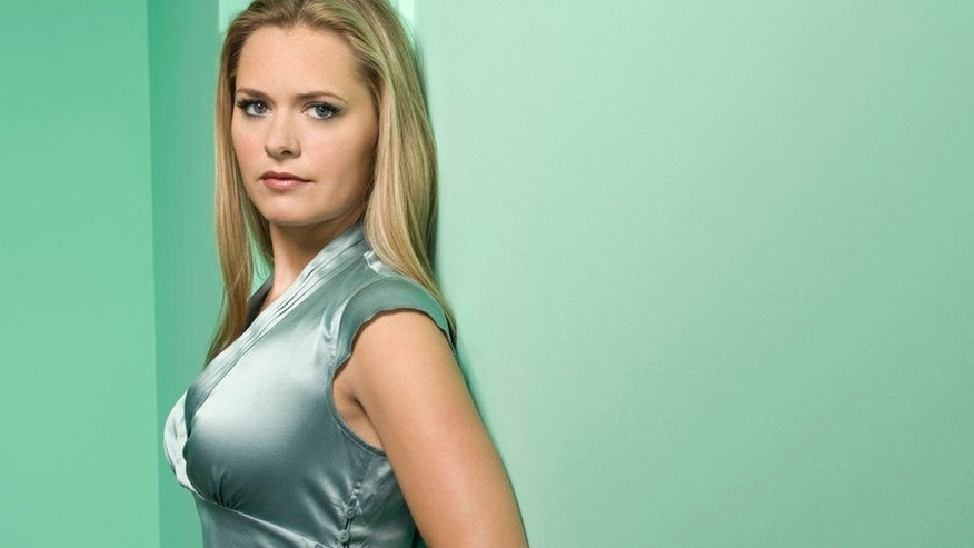 PSYCH -- Pictured: Maggie Lawson as Juliet O'Hara -- USA Network Photo: Matthias Clamer
