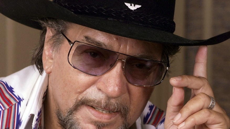 Aug. 1999. Waylon Jennings poses in Nashville, Tenn.