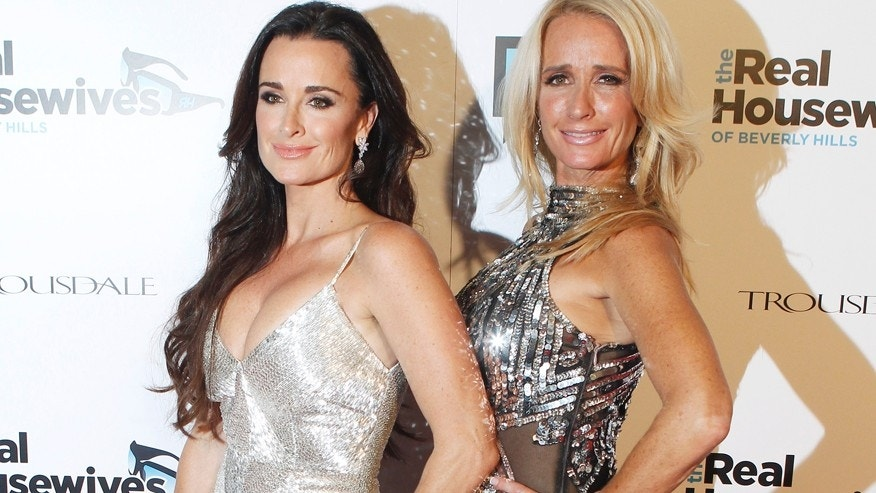 "Sisters and cast members of Bravo's new reality series ""The Real Housewives of Beverly Hills""  Kyle Richards (L) and Kim Richards pose at the premiere party in Los Angeles October 11, 2010."